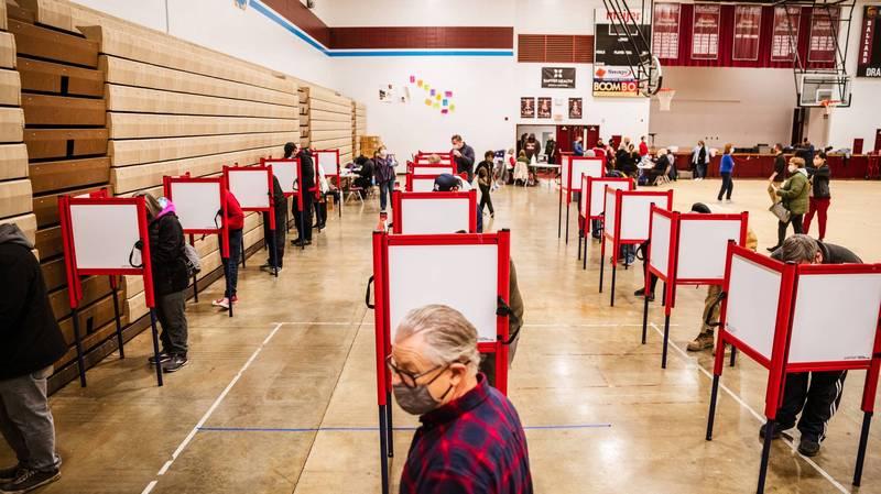 美國專家估計,這次大選將有1.6億人投票,佔合格選民67%,將創下1900年以來最高投票率。(法新社)