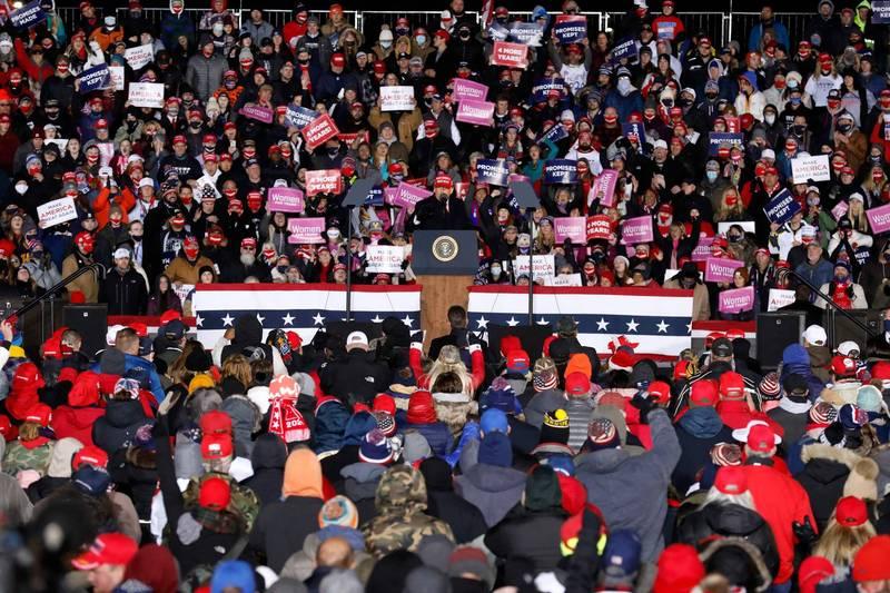 川普最後一場於密西根州的造勢,吸引大量支持者到場助陣。(法新社)