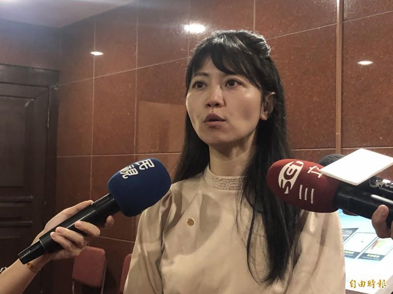 民進黨立委高嘉瑜受訪回應段宜康臉書。(記者陳昀攝)