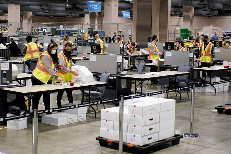 賓州州長表示,賓州有超過100萬張郵寄選票等待清算,成為美國總統選舉結果一大變數。(路透)