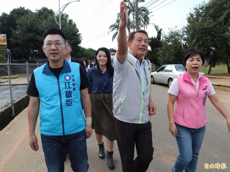 美國總統大選結果即將揭曉,國民黨主席江啟臣(左一)呼籲政府及國安高層應「超前部署」,及早因應。(記者歐素美攝)