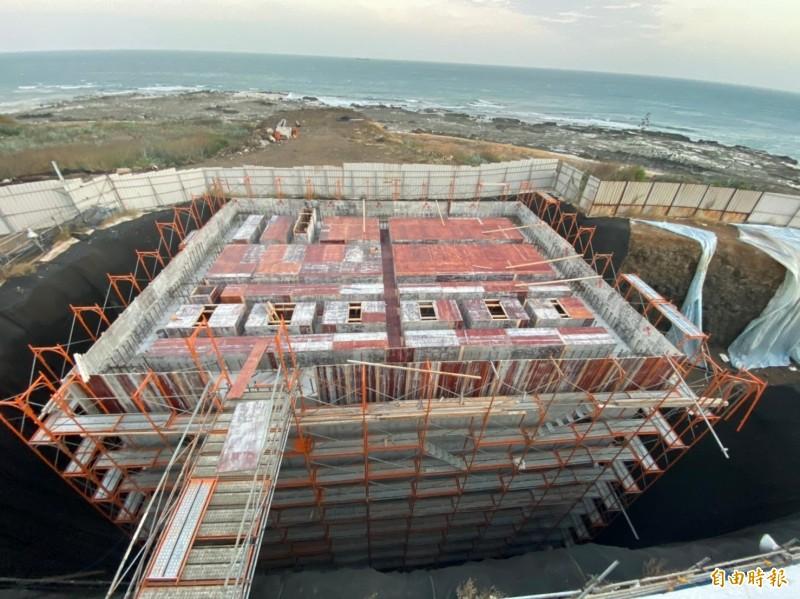 澎湖海淡3廠海水取水站施工中,整體工程預計今年底完工。(記者陳文嬋攝)