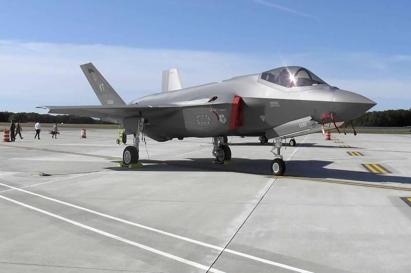 針對印尼提出的F-35採購要求,美方予以拒絕,並且希望雅加達政府可以先買F-16 Block 72批次戰鬥機,圖為F-35戰鬥機。(美聯社)