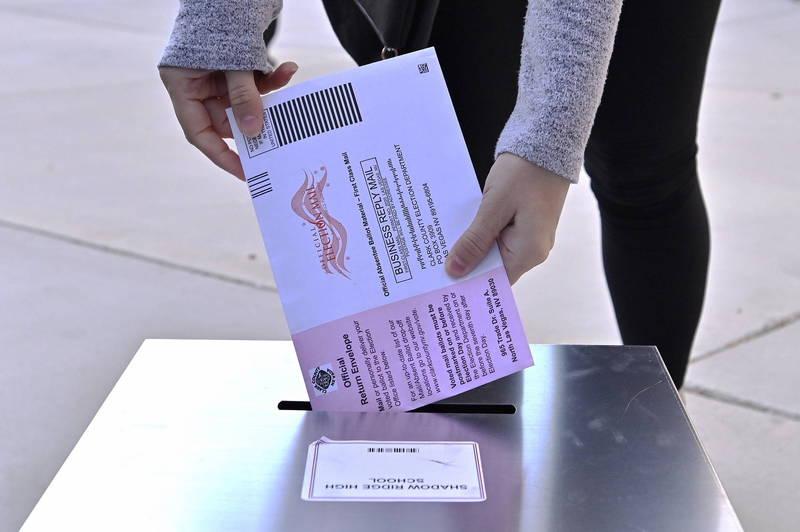 川普不滿密西根州郵寄選票恐影響選情,向法院訴請中止計票遭到駁回。(歐新社檔案照)