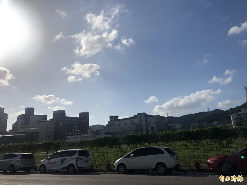 泰山區中山段(明志路3段)將興建1幢2棟、215戶青年社會住宅。(記者周湘芸攝)