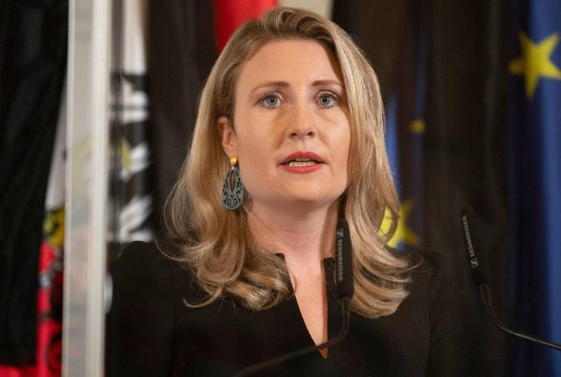 奧地利社會融合部長菈布(見圖)表示,槍手這次恐攻的目的是分裂奧地利的伊斯蘭與非伊斯蘭教徒。(法新社)