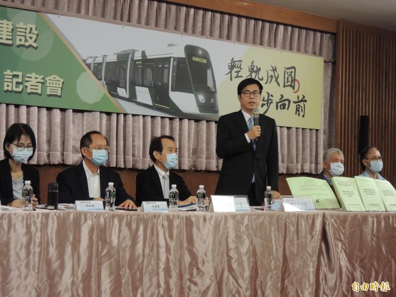 高雄市長陳其邁今宣布,輕軌二階即刻復工。(記者王榮祥攝)