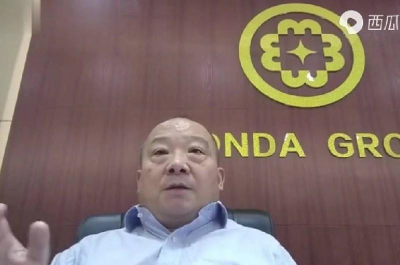 中國武統學者李毅表示,在台灣要統一的僅有0.7%,連百分之1都不到,「關鍵情況是,要統一的都是白髮老頭和老太太,死得快的很,一年比一年死得多,十年後基本就死絕了,就算有個別的人類,在統計學上都沒有意義!」(翻攝西瓜視頻)