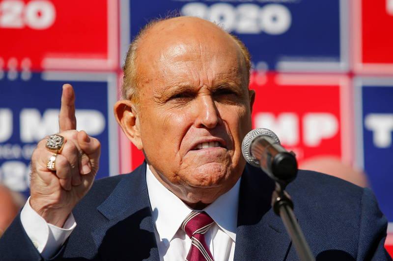 朱利安尼(Rudy Giuliani)表示,本屆美國總統大選中,賓夕法尼亞州的2大城市查出有65萬張非法選票。(路透資料照)