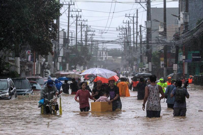 颱風「梵高」襲擊菲律賓,導致嚴重的洪災,導致至少39人死亡、22人失蹤。(路透)