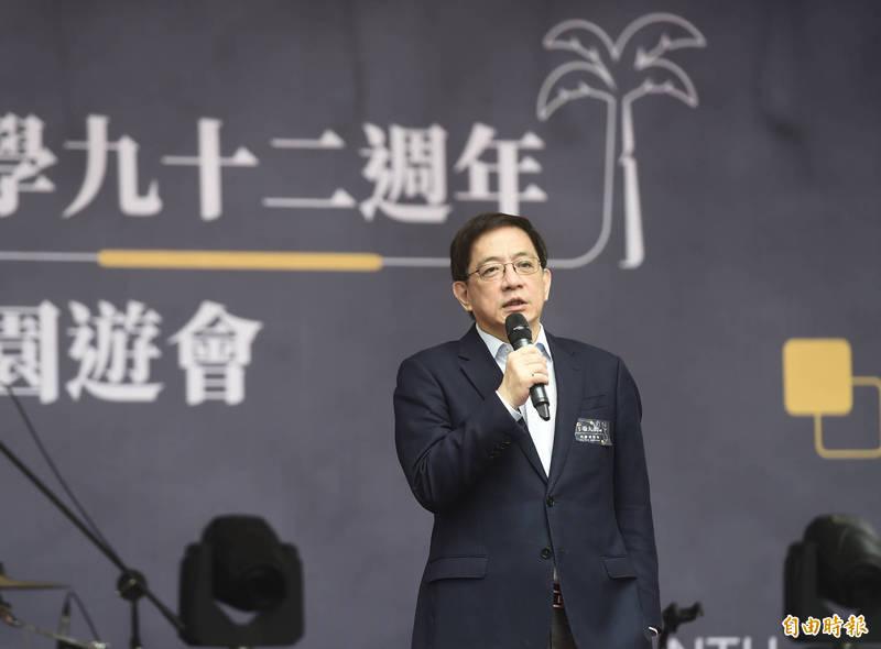 台灣大學92週年校慶園遊會14日登場,台大校長管中閔出席致詞。(記者簡榮豐攝)
