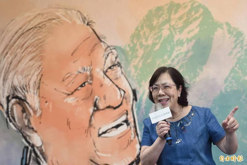 李登輝基金會副董事長李安妮今日致詞表示,希望研討會能藉人文、藝術觀點,了解他父親的「台灣民主要更深化,台灣要更團結」等語。(記者劉信德攝)