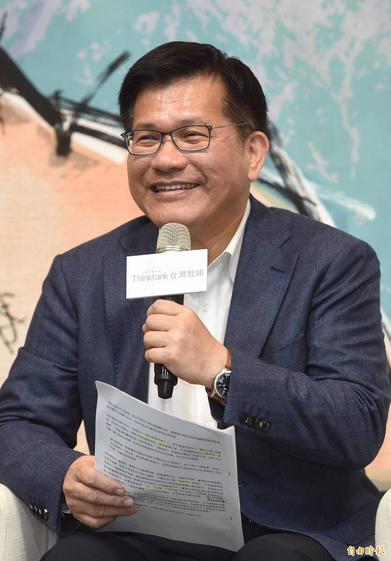 台灣智庫共同創辦人林佳龍表示,回顧台灣過去100年歷史,你不能將「李登輝」3個字刪除,李登輝代表一個政權及時代,帶領台灣從過去威權走向民主。(記者劉信德攝)