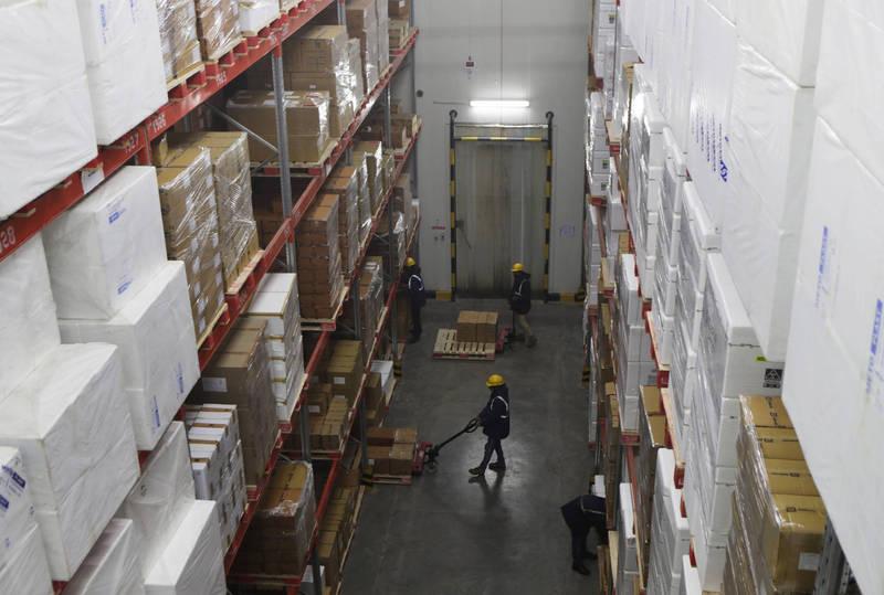 中國爆發冷鏈疫情,先前在多地冷凍食品包裝上驗出武漢肺炎(新型冠狀病毒病,COVID-19)病毒。示意圖。(美聯社)