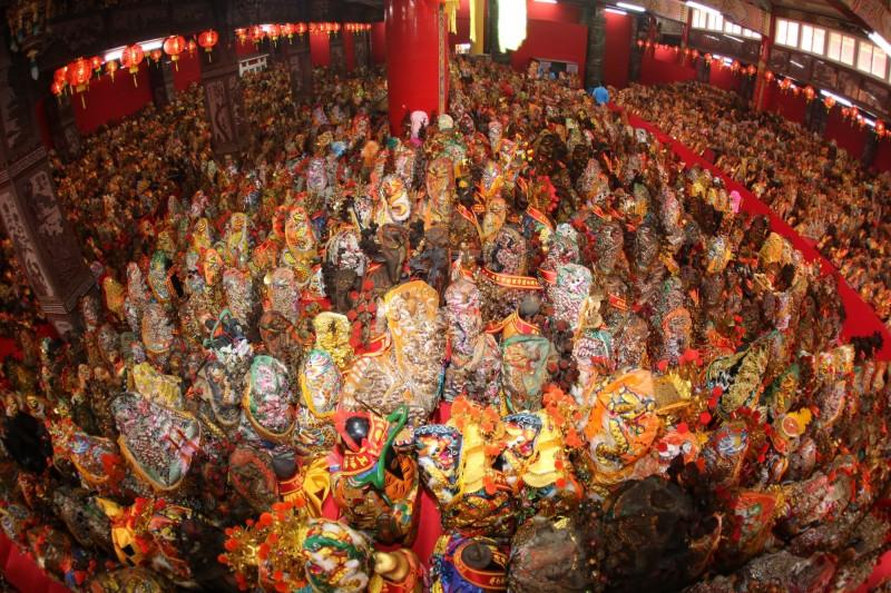 安西府七朝清醮已有上萬神尊安座鑑醮,場面壯觀。(記者林國賢翻攝)