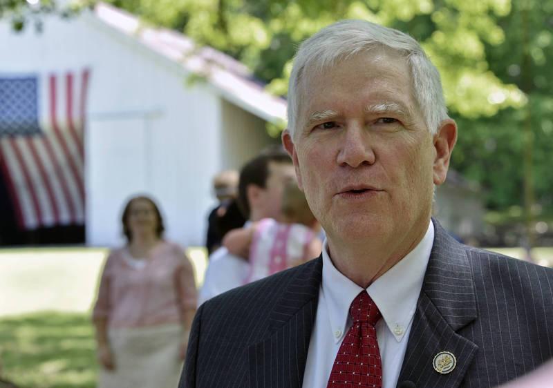 美國眾議院共和黨議員布魯克斯(見圖)指出,國會有權拒絕任何一個州提交的選舉人團投票結果,而在這方面,川普占有優勢。(美聯社檔案照)