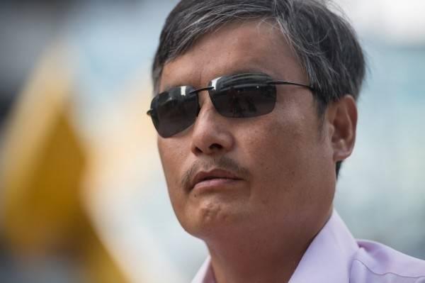 流亡美國的中國民運人士陳光誠表示,依然會力挺川普勝選,並強調「真相一定會水落石出」。(法新社檔案照)