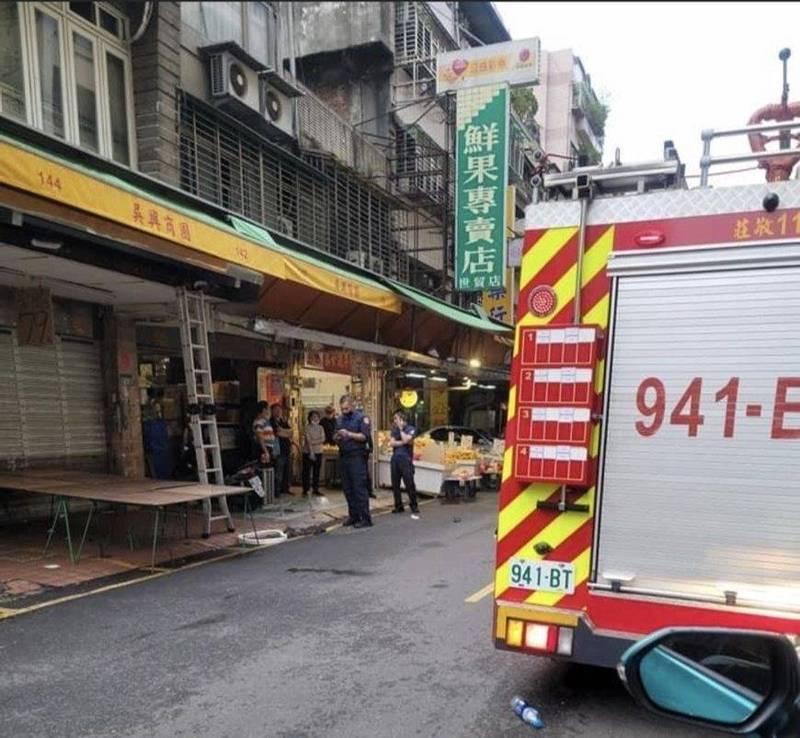 北市吳興街冷氣維修工墜樓 送醫搶救中