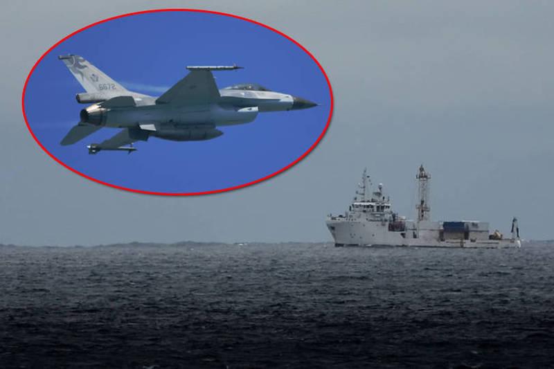 空軍第五聯隊一架F-16單座戰機,17日晚上由蔣正志上校駕駛執行例行性訓練任務時失聯,目前已確切偵獲飛機失事殘存紀錄器CSFDR(黑盒子)信號,待海象允許將進行打撈作業。(本報合成)