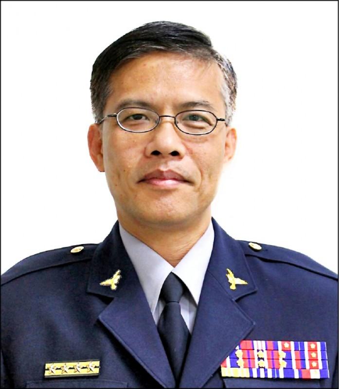 台中市太平警分局副分局長高啟閔,才上任3天就因喝花酒丟官。(記者何宗翰翻攝)
