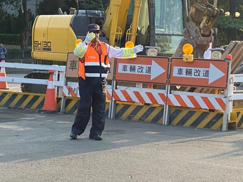 中市五權(南)路地下道填平工程將邁入第二階段,23日起全封了。(記者許國楨翻攝)