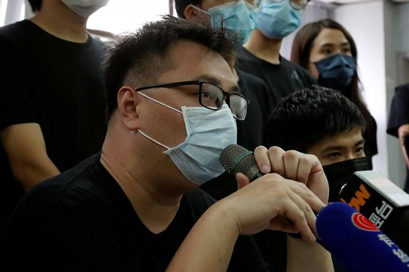 香港泛民主派議員王百羽(圖)和李軒朗,今(22日)早遭警方突襲逮捕。(路透)