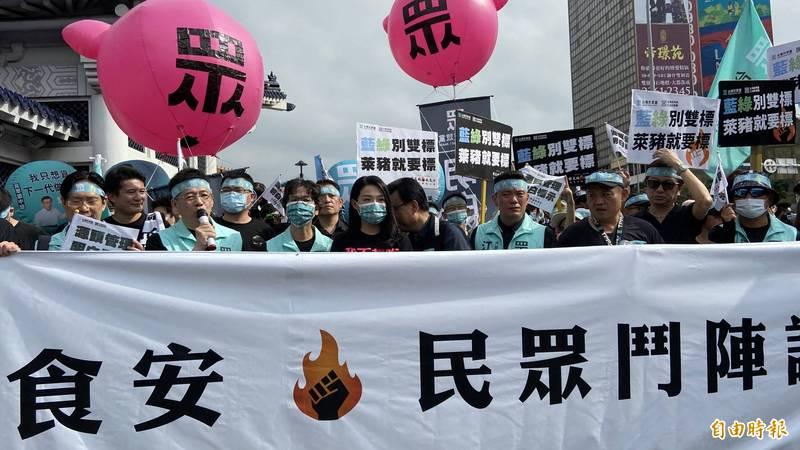 謝立功表示,民眾黨參加秋鬥遊行最重要訴求就是萊豬議題,要求源頭管理,必須明白標示。(記者叢昌瑾攝)