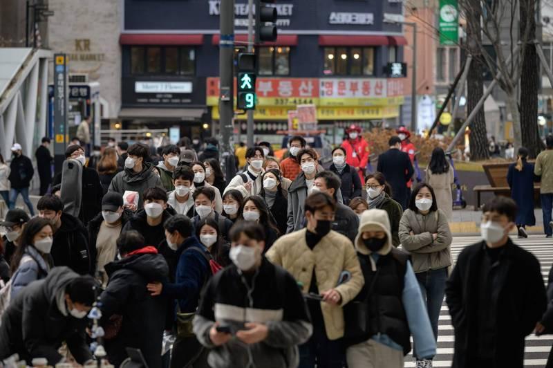 武漢肺炎》第3波疫情來襲!南韓關閉首爾一帶酒吧、限制活動