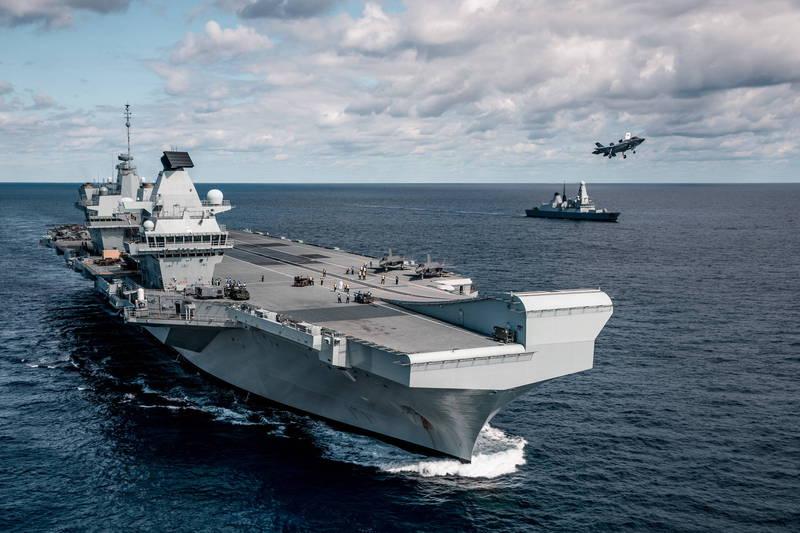 英國首相強森強調,會擴大英國海軍的規模,計畫將英國海軍打造成「歐洲最強艦隊」,誓言帶領英國海軍「重返榮耀」。圖為英國航艦伊莉莎白女王號。(歐新社)