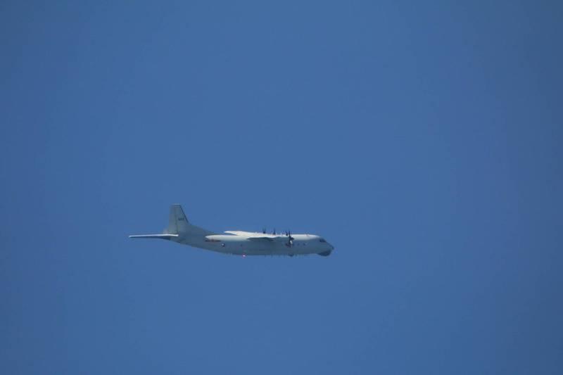 共軍1架運8反潛機侵犯防空識別區 戰機廣播驅離