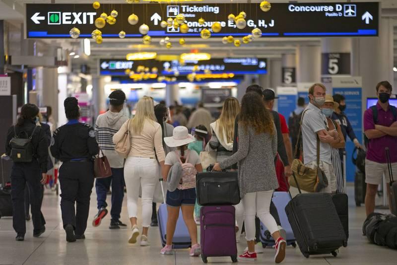 佛奇坦言:「機場的人們將使我們陷入比現在所面臨的還要更大的麻煩。」(美聯社)