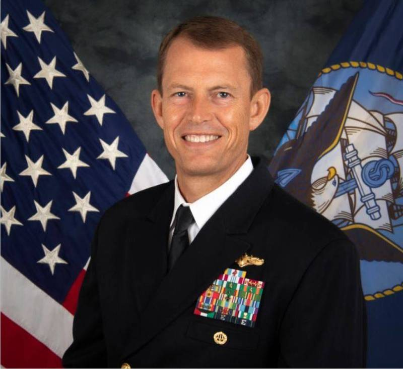 針對昨日有一架美國行政專機訪台,外交部雖未證實來訪的美方官員身分,不過據《路透社》消息指出,該名官員就是美國海軍印太情報總指揮官斯圖達曼。(圖翻攝自美國海軍官網)