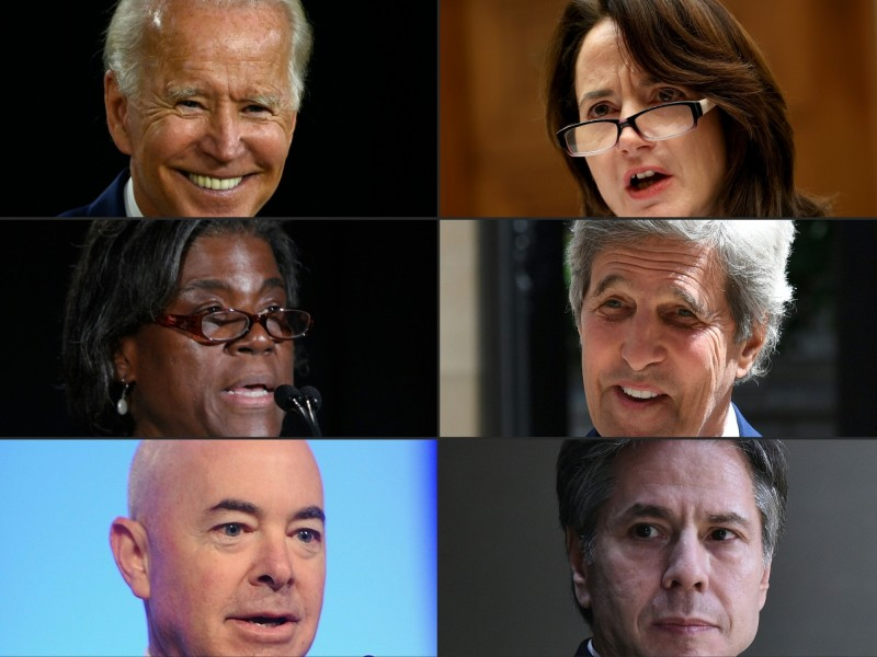 美國總統推定當選人拜登(左上一)宣布重要內閣人事,幾乎都是曾為歐巴馬政府效力的重要官員。由左至右逆時鐘方向分別為美國駐聯合國大使湯瑪斯—葛林斐德、國土安全部長馬約卡斯、國務卿布林肯、氣候大使凱瑞,以及國家情報首長海恩斯。 (法新社)
