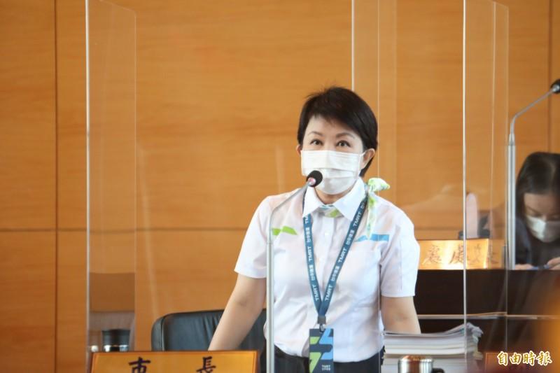 中捷綠線故障,台中市長盧秀燕表示,台北市長柯文哲說會負全責。(記者蘇金鳳攝)