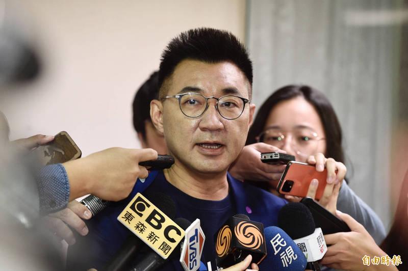 國民黨主席江啟臣今日出席台北市黨慶活動,會前接受媒體訪問。(記者叢昌瑾攝)