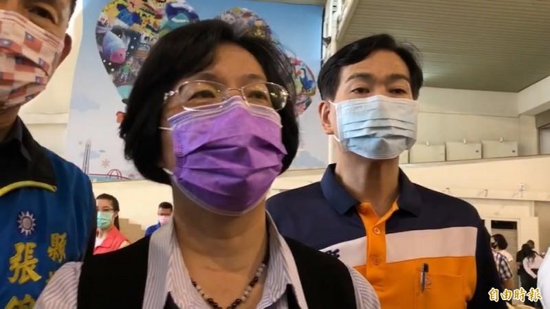 彰化縣長王惠美今受訪表示她不知道有同仁因為出差勤被查而辭職。(記者張聰秋攝)