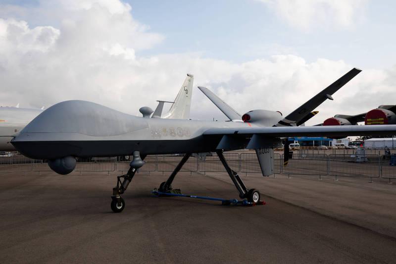 美商通用原子航空系統公司獲美國國防部新台幣約26.58億元元合約,將為MQ-9「死神」無人機加入人工智慧智能傳感器,圖為MQ-9「死神」無人機。(彭博)