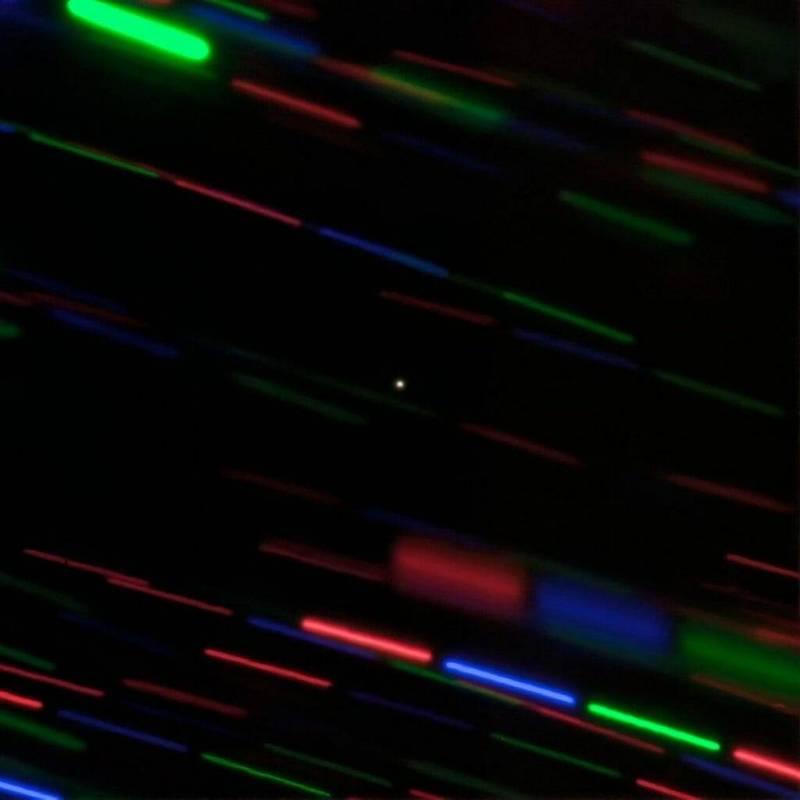 雙子星天文台拍攝的「2020 CD3」彩色照片。(圖擷自Wiki)