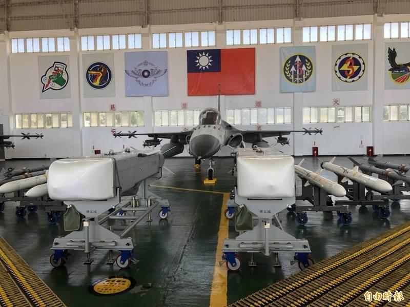 中科院以射程超過500公里的各型飛彈作為未來5年研發重點項目。圖為萬劍彈。(資料照)