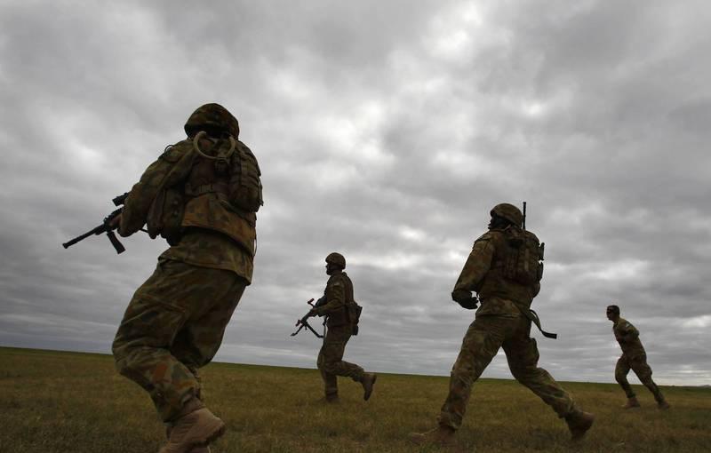 針對澳洲特種部隊成員在阿富汗濫殺無辜一案, 澳洲媒體今天(26日)報導指稱,澳洲政府已向10名特種部隊成員發出解職通知,圖為澳洲特種部隊,非當事人。(路透)