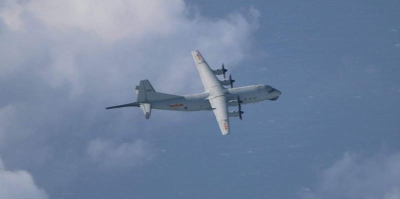 空軍公布今日所拍攝到的運8反潛機。(國防部提供)