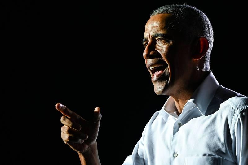 美國前總統歐巴馬於11月中出版了生涯回憶錄「應許之地」,首周就在北美地區銷售170萬冊。(法新社)