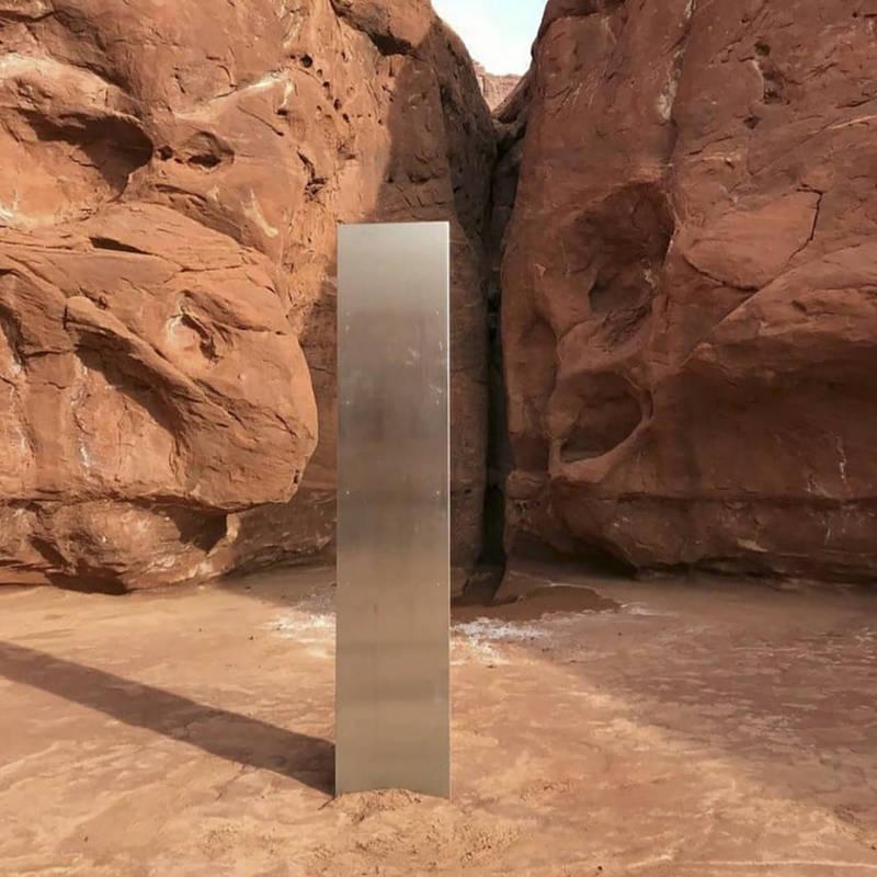 美國猶他州沙漠內的神祕巨型金屬物體已經被官方拆除。(法新社)