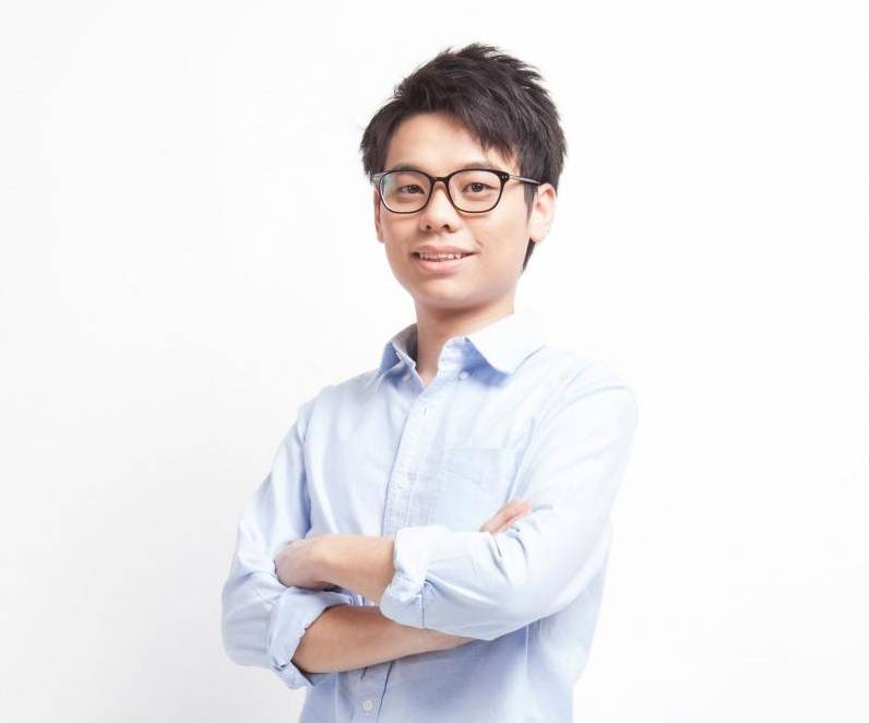 今年26歲的李文浩,是深水埗區議員,其所屬政黨是2015年成立的「長沙灣社區發展力量」。(翻攝自李文浩臉書)