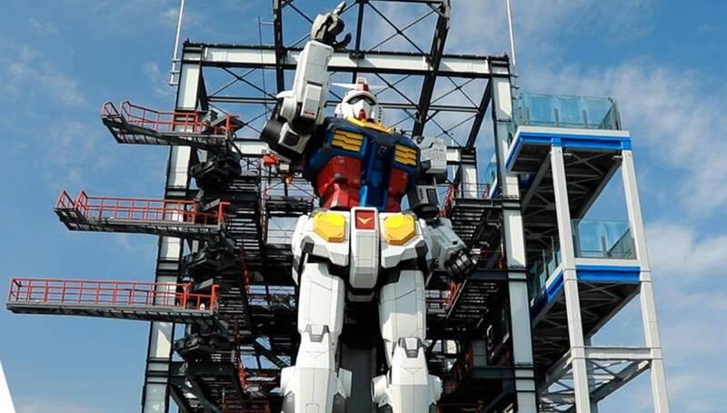 橫濱山下碼頭完成了高達18公尺、重達25噸的等身「鋼彈」,預計將在12月19日開放遊客參觀。(圖取自橫濱鋼彈工廠活動官網)