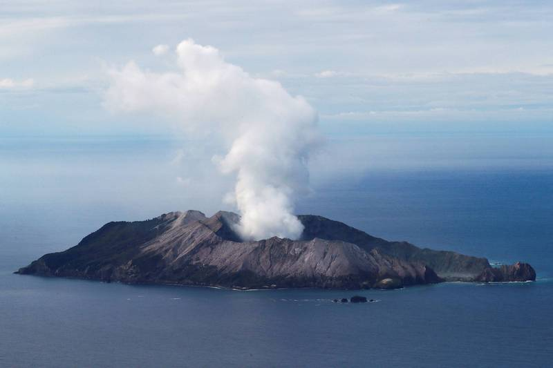紐西蘭旅遊勝地白島去年火山爆發,造成22人死亡。紐西蘭工作安全局今日對13方提出訴訟。(路透資料照)