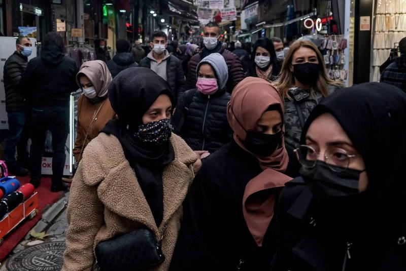 土耳其政府修正確診通報方法與實施封鎖後,疫情仍繼續擴散,連7天單日死亡數創下新高。(資料照,歐新社)