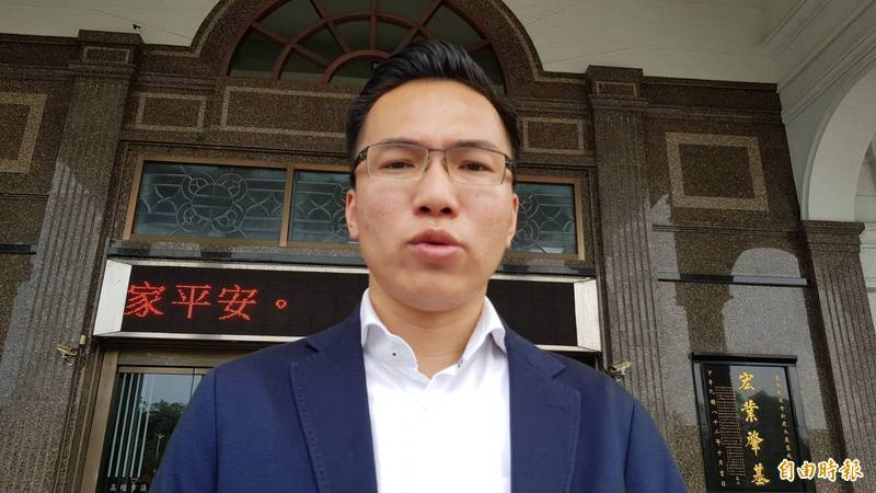 高雄市長陳其邁今就任滿100天,議員林智鴻打分數85分。(記者陳文嬋攝)