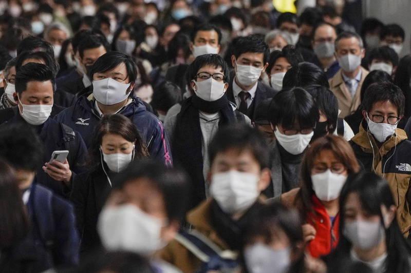 日本今天全境新增33例死亡病例、北海道單日新增14例死亡病例,同創疫情爆發以來新高紀錄。(歐新社)