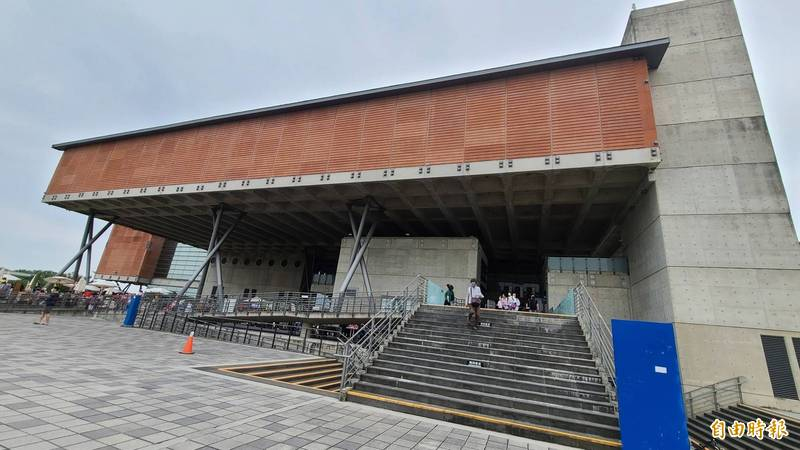 國立台灣歷史博物館主館,將在睽違15個月之後,於明年1月8日重新開館。(記者劉婉君攝)